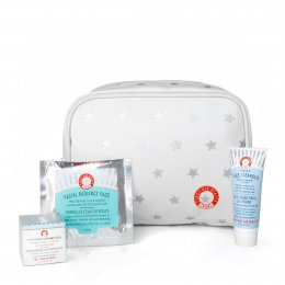 First Aid Beauty Deluxe Gift Set - Free Gift